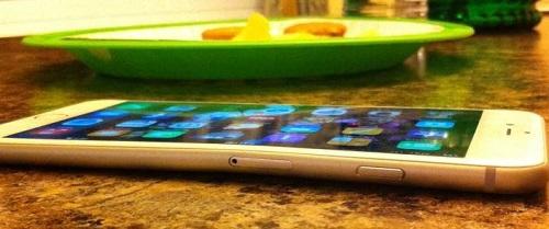 El iPhone 6 se deforma al guardarlo en el bolsillo
